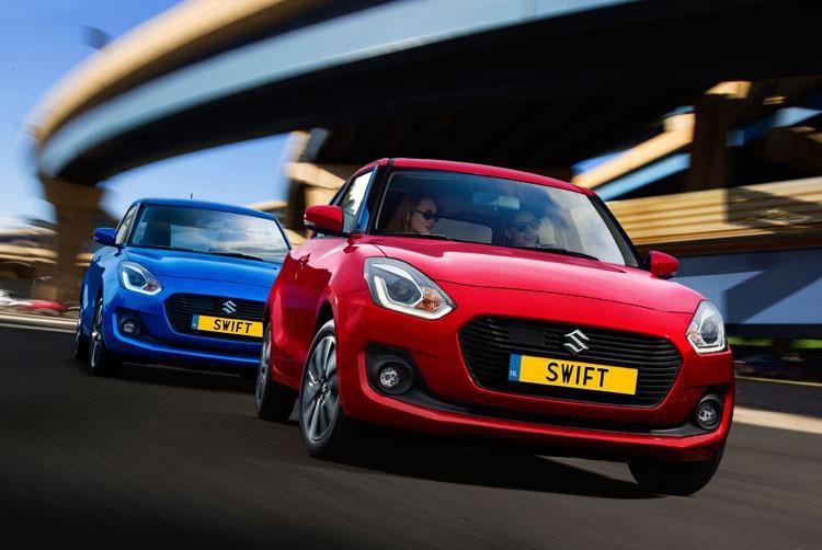 Suzuki Swift rood en blauw