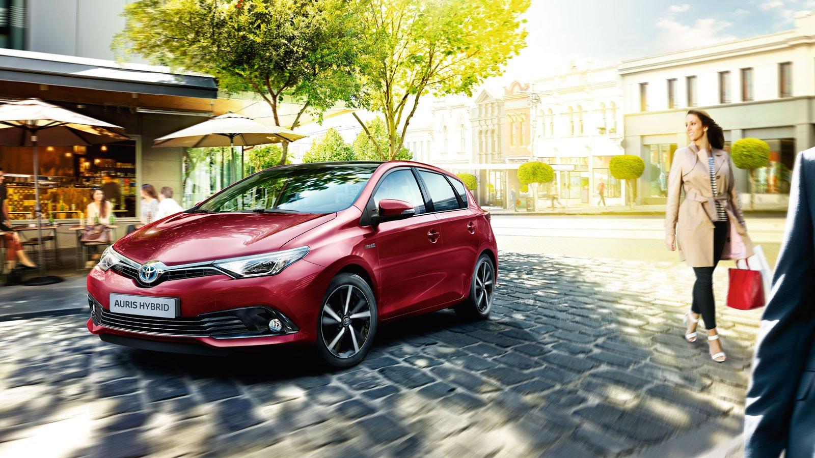 Toyota Auris rood
